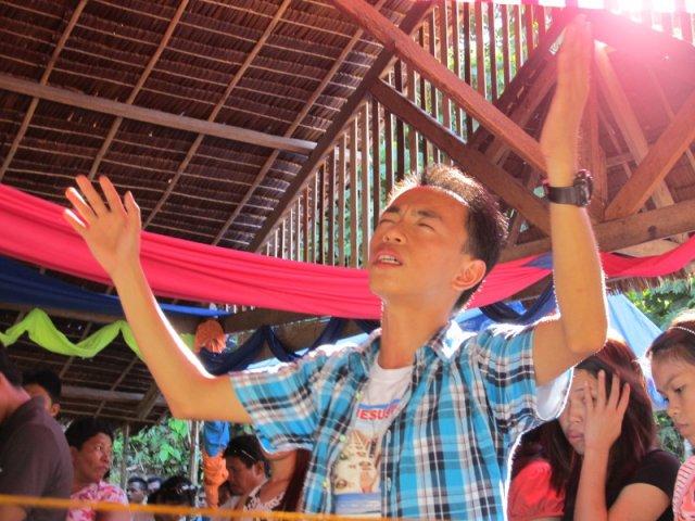 Filipiny - chrześcijański bastion Azji. Matka Boska od pringelsów, krwawy rytuał krzyżowania, islamskie mordy