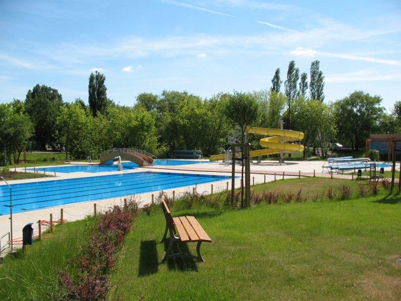 Już w tę sobotę w Parku Szczęśliwickim na Ochocie otwiera się najnowszy warszawski basen na świeżym powietrzu.