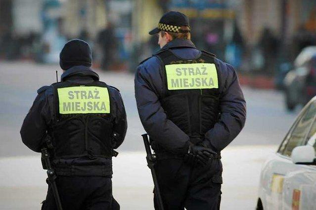27-latek powiesił się w radiowozie straży miejskiej