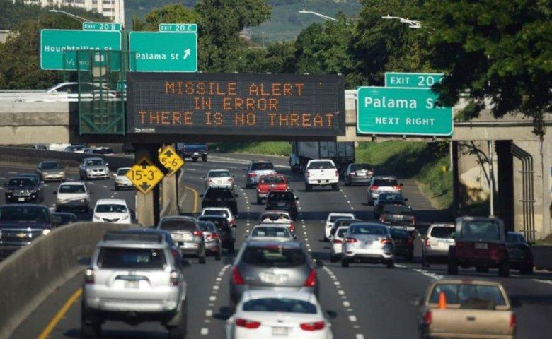 Informacje o alertach są na Hawajach wszędzie. W mediach, na ulicach, na autostradach. Każdy musi byćgotowy.