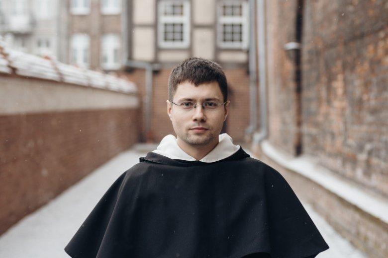 O. Michał Osek, przeor klasztoru gdańskich dominikanów, koordynujący prace ratunkowe w kościele św. Mikołaja w Gdańsku.