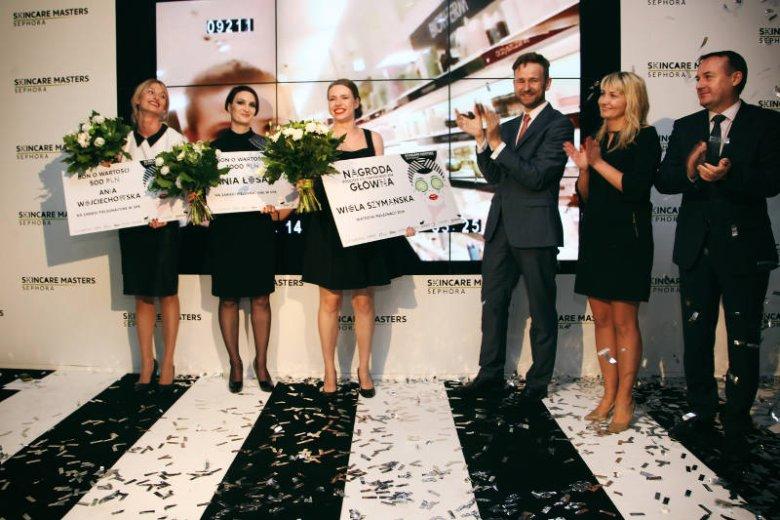 Nagrody wręczali: Magdalena Rusiecka- Dyrektor ds. Personalnych, Adam Kołodziejczyk - Dyrektor Generalny, Artur Garnczarek Dyrektor Sprzedaży Sephora Polska