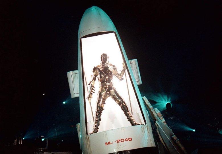 Michael Jackson wyszedł na scenę z rakiety kosmicznej.