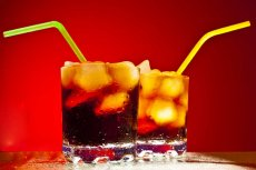 Picie gazowanych napojów dietetycznych niszczy zęby tak mocno jak palenie metaamfetaminy.