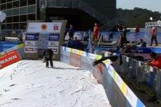 Mistrz Świata juniorów z Lahti Thomas Aasen Markeng zaliczył groźnie wyglądający upadek na skoczni w Innsbrucku.