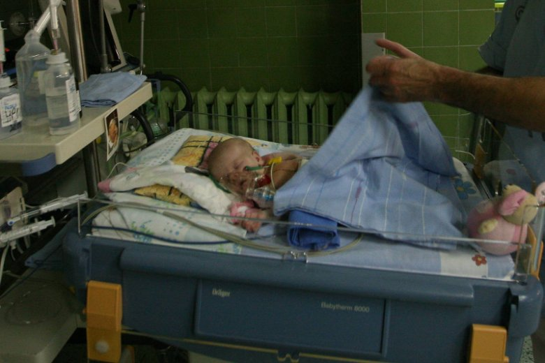 W Instytucie Centrum Zdrowia Matki Polki w Łodzi lekarze ratują noworodki z poważnymi wadami serca.