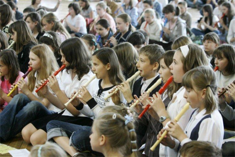 """Grać na flecie można trochę lepiej lub trochę gorzej, ale dobór repertuaru powinien pozostać w rękach artysty lub jego nauczyciela, a nie radnych i """"zatroskanych"""" mieszkańców."""
