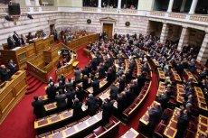 Grecki parlament zgodził się na przyjęcie kolejnego pakietu pomocy finansowej