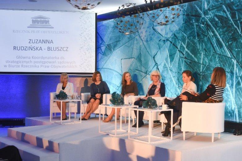 W konferencji inaugurującej Instytut Sprawiedliwości w Polsce wzięły udział (od lewej): Barbara Goździkowska - Dyrektor Generalna AVON Cosmetics Polska, Christine Jaworsky – Dyrektor Fundacji AVON dla Kobiet, Nicole Hauspurg – przedstawicielka Vital Voice