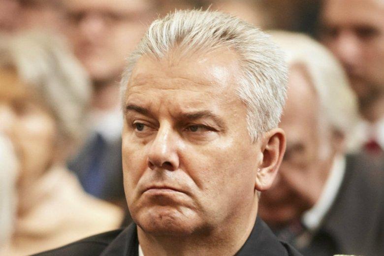 Cezary Grabarczyk usłyszał zarzut nielegalnego zdobycia pozwolenia na broń.