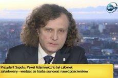Prezydent Sopotu Jacek Karnowski ze łzami w oczach wspominał zmarłego prezydenta Gdańska Pawła Adamowicza.