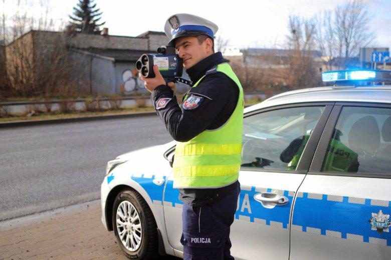 Policja kupiła 400 nowych radarów ręcznych LTI 20/20 TruCam. Łączna wartość wyniosła 14 mln zł.