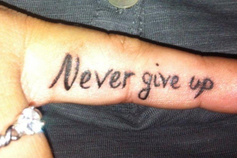 To jedno z najgorszych sentencji na tatuaż