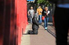 Ludzi, którzy są zmuszani do żebrania, można często spotkać także na polskich ulicach
