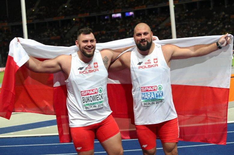 Ceremonia medalowa zabrała Polakom wzruszające chwile.