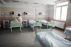 Do samopodpalenia się mężczyzny doszło około godz. 19 w szpitalu w Łowiczu.