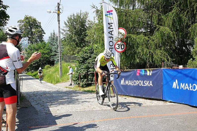 Polski kolarz walczy o życie w szpitalu.