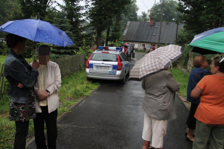 Na Dolnym Śląsku brutalnie zgwałcono 18-latkę. Ale mieszkańcy wsi nie stają za nią murem. Zdjęcie poglądowe.