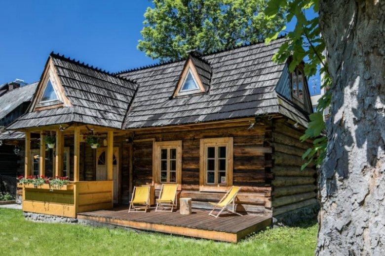 Domek jest doskonale zlokalizowany, od Krupówek dzieli go ledwie kilka minut spaceru