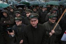 Już wiadomo, dlaczego leśnicy z Białowieży tak bronili ministra Jana Szyszkę. Ujawniono ich zarobki.