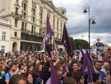Demonstracja przed Pałacem Prezydenckim.