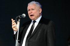 """Najnowszy sondaż Kantar Public pokazuje, że Jarosław Kaczyński i jego ludzie słusznie rzucili """"kiełbasę wyborczą""""."""