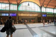 Dworzec we Wrocławiu, choć pięknie odremontowany, przynosi straty.