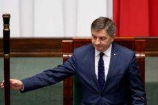 """Kancelaria Sejmu przesłała sprostowanie do przerobionego przez """"Super Express"""" zdjęcia Marszałka Marka Kuchcińskiego."""