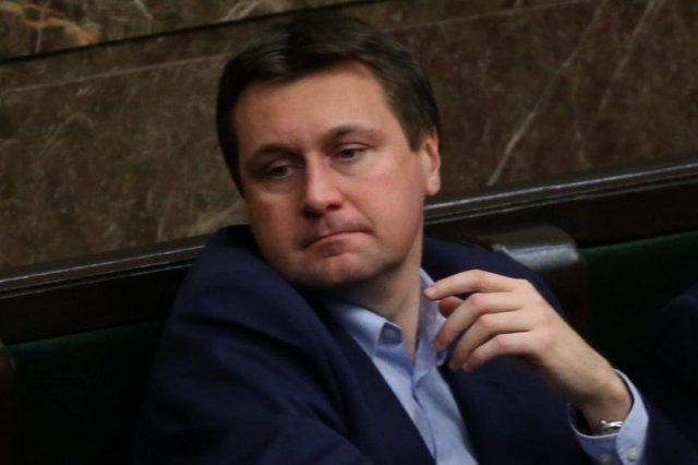 Łukasz Zbonikowski znowu jest na czołówkach tabloidów.