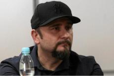 Poseł Liroy-Marzec jest oburzony działaniami funkcjonariuszy w jego biurze poselskim.