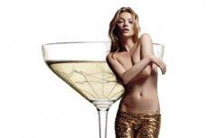 Stworzono kieliszek z piersi Kate Moss.
