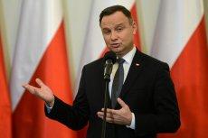 Kancelaria Andrzeja Dudy wydała prawie 40 tys. zł na 200 zakładek do książek.
