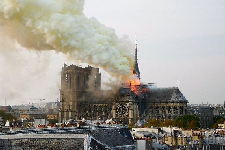 Także muzułmanie zaoferowali pomoc w odbudowie katedry Notre Dame.