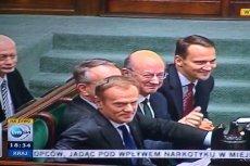 Zadowolony premier Donald Tusk po wyrażeniu wotum zaufania jego rządowi