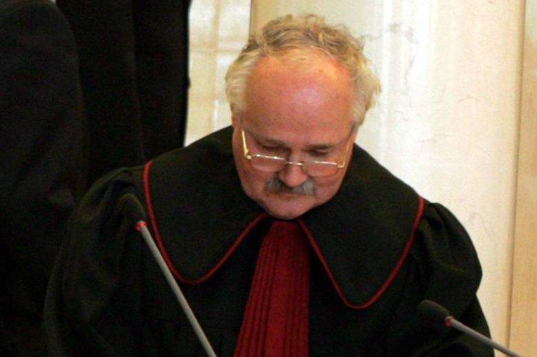 Prokurator w stanie spoczynku Wojciech Sadrakuła prowadził lekcje dla młodzieży w ramach Tygodnia Konstytucyjnego.