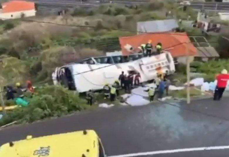 W wypadku autokaru na Maderze zginęło 29 osób.