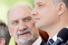 Szef MON i wiceprezes PiS Antoni Macierewicz nie krył oburzenia tym, jak stołeczni urzędnicy potraktowali ministra od prezydenta Andrzeja Dudy.