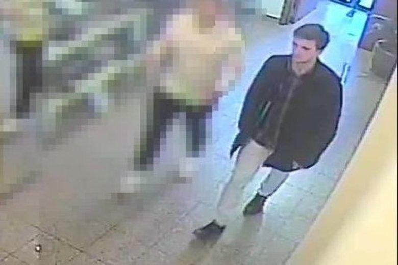 Podejrzanego uchwyciły kamery monitoringu.