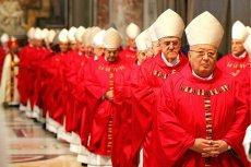 Watykan jest bankrutem i przejada większość środków, jakie przeznaczał na dobroczynność. Do takich wniosków doszedł dziennikarz Gianluigi Nuzzi.