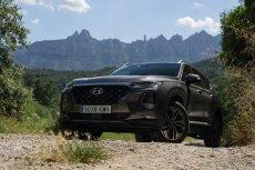 Nowy Hyundai Santa Fe świetnie wygląda i zadowoli duże rodziny.