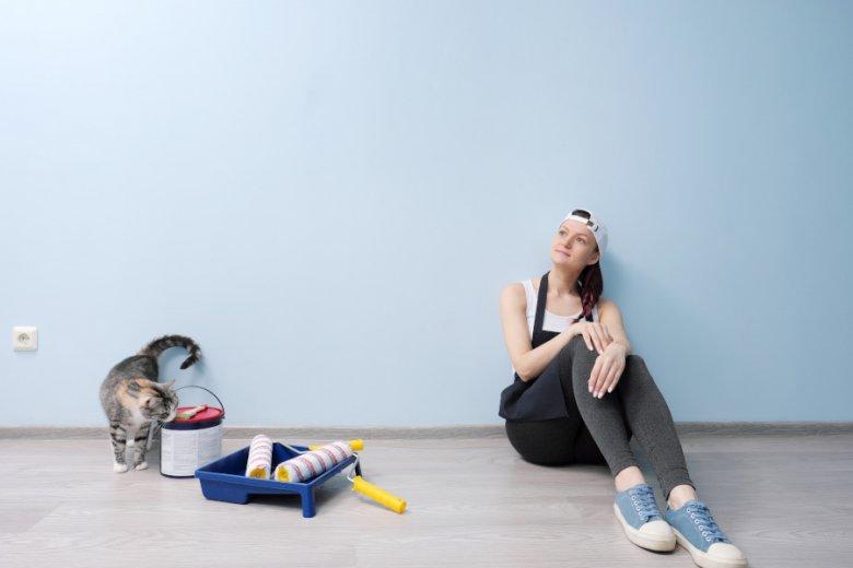 Kobiety mogą spokojnie same zrobić remont. Problem jest tylko taki, że nikt ich tego nie uczy