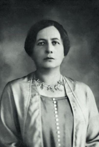 Aleksandra Piłsudska - pierwsza żona Piłsudskiego, regularnie przez niego zdradzana.