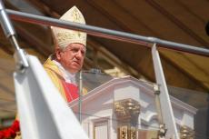 Episkopat: nie będzie ekskomuniki za poparcie in vitro.