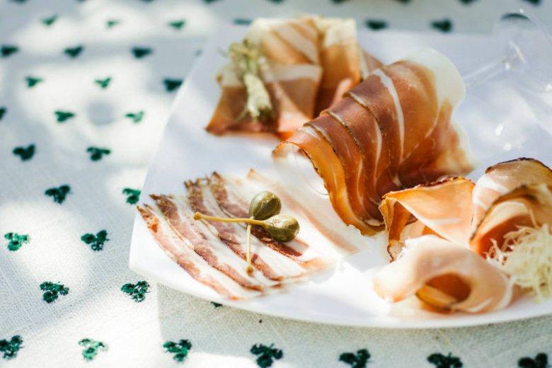 Tradycyjne austriackie wędliny w stylu slow food.