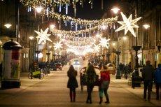 Na największej ulicy w Łodzi, trzech Niemców zostało dotkliwie pobitych przez nieznanych sprawców. Za to, że mówili po niemiecku.