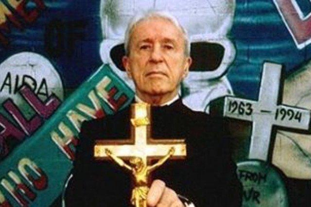 Malachi Martin, duchowny i PR-owiec w jednym.