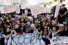 Młodzież Wszechpolska pomimo oporu w asyście policji przeszła zaplanowanątrasą.