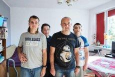 Czy 13-letni Grigorij i 17-letni Anatol z rodzicami będą deportowani na Ukrainę? Tego chce Straż Graniczna, ale nauczycielki chłopców się nie poddają.