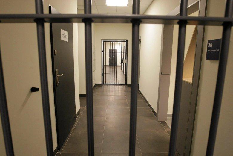 Pomieszczenia dla Osób Zatrzymanych w budynku Komendy Powiatowej Policji w Skarżysku-Kamiennej.