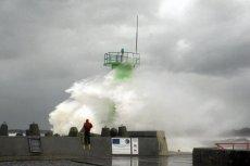 Jednymi z zalet jesiennego lub zimowego wypoczynku nad morzem są sztormy.